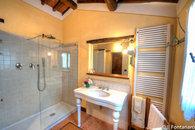 leccino bathroom