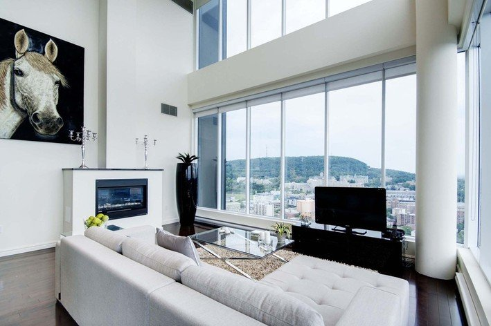 Rentini beautiful penthouses downtown montreal for Affordable furniture montreal