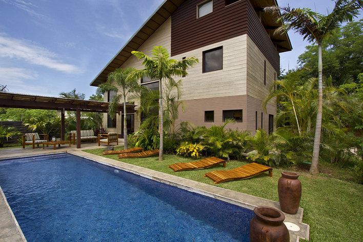 Rentini woodbox costa rica luxury beach villa for Luxury villa costa rica