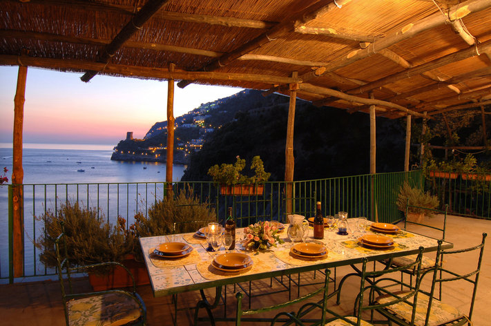 Format_3_2_campania-italy-beautiful-villa-sunset-in-amalfi-coast