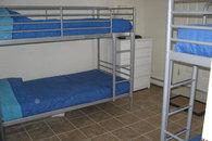 Downstaris bedroom w 4 bunks