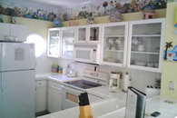 Full Size Fully-equipped Kitchen