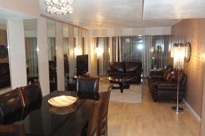 Rentini Beautiful 2 Bedroom Penthouse Suite
