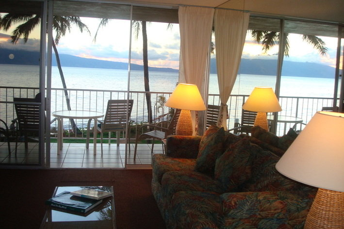 Rentini Romantic Oceanfront 1 Br Maui Vacation Rental