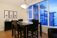 Waterfront Condo in Sidney with hotel Amenity