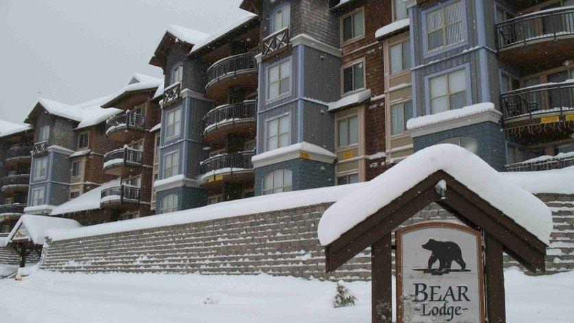 Bear Lodge Ski in-Ski Out Condo Mt Washington