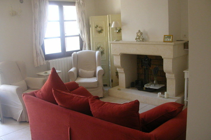 Format_3_2_uzes-languedoc-roussillon-france-beautifully-restored-townhouse-central-uzes