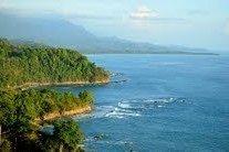 Format_3_2_dominical-puntarenas-costa-rica-listen-to-the-surf-crashing-below