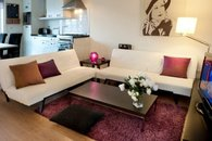 Format_3_2_thumb_amsterdam-nh-netherlands-the-purple-apartment