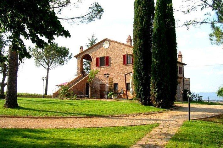 Format_3_2_castiglione-del-lago-umbria-italy-17th-century-country-house-il-cedro