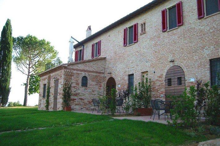 Format_3_2_castiglione-del-lago-umbria-italy-17th-century-country-house-l-olivo
