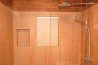 Bathroom downstairs with Hangsrohe Raindance Shower