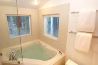 Private 24'' deep 8 hydro jet jacuzzi for 2 people