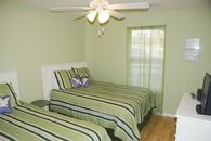 3rd bdrm- 1 full & 1 twin bed