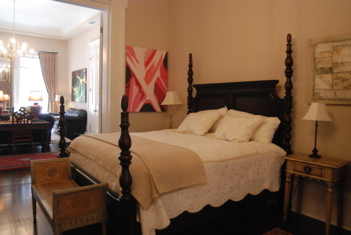 Format_3_2_new-orleans-la-united-states-luxury-french-quarter-condo