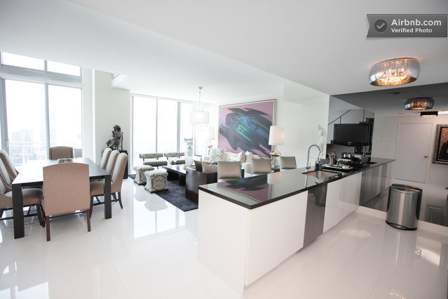 Format_3_2_miami-fl-united-states-52nd-floor-luxury-triplex-penthouse