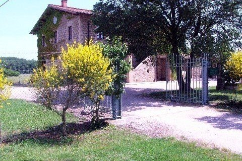 Format_3_2_torgiano-umbria-italy-holiday-home-with-pool-close-to-assisi