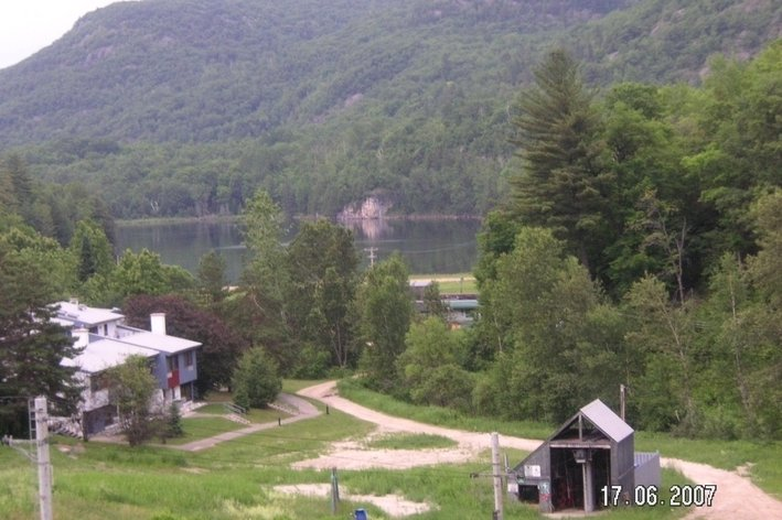 Format_3_2_lac-sainte-marie-qc-canada-les-retraites-sur-le-lac-ski-swim